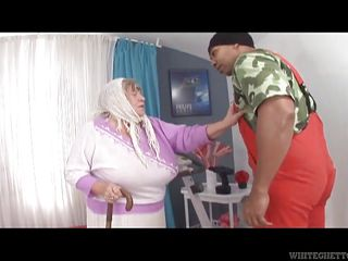 white chubby granny loves bbc @ grandma loves black cock