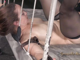 bella rossi gets roughly fucked